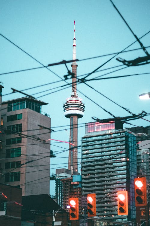cn tower торонто, cn tower уличные фонари, архитектура