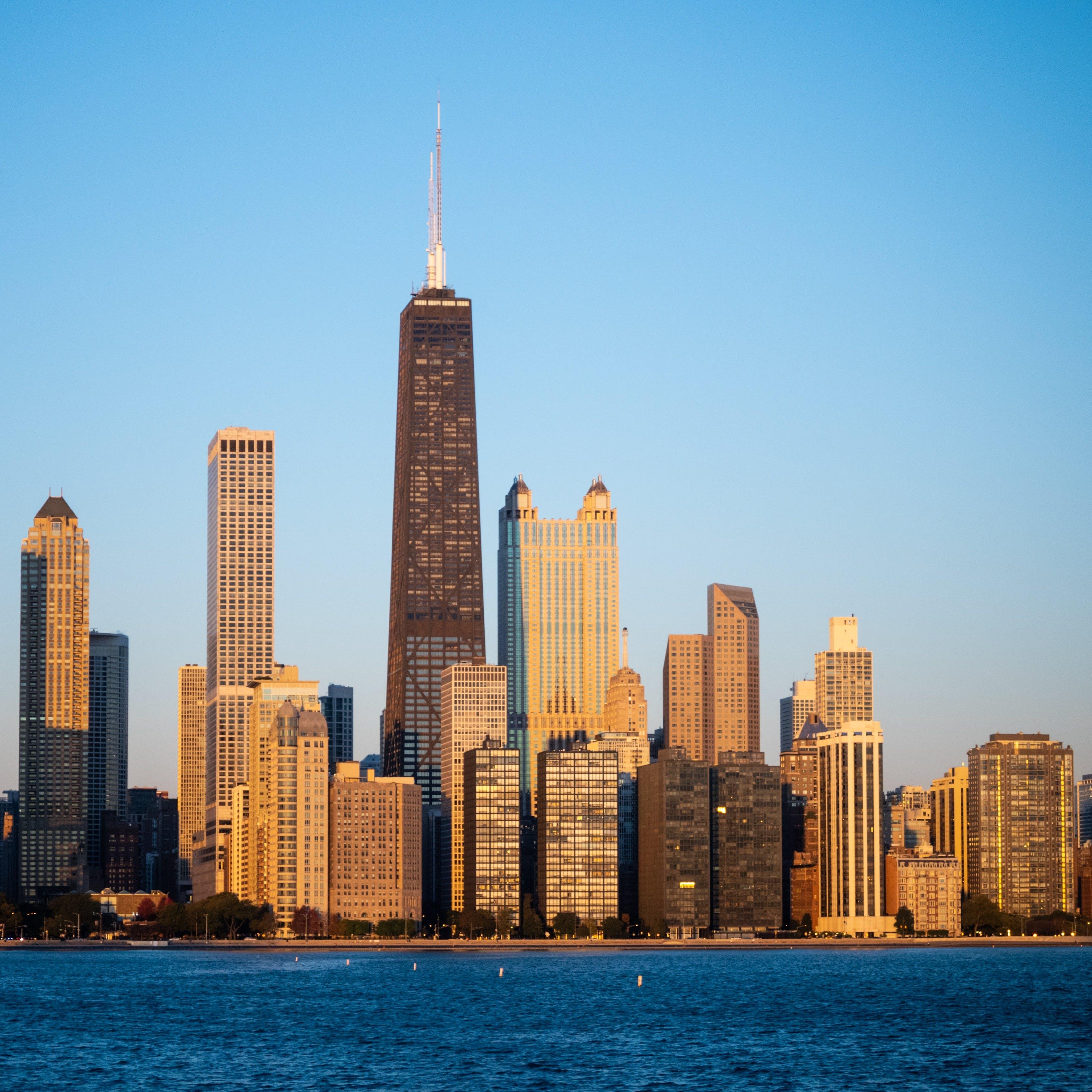 Foto stok gratis Arsitektur, bangunan, cityscape, gedung menara