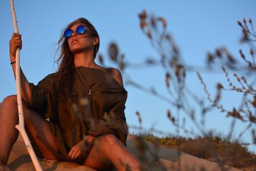 墨鏡, 女人, 日光, 日落 的 免費圖庫相片