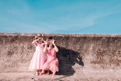Základová fotografie zdarma na téma asiaté, asijské dítě, batole, beton