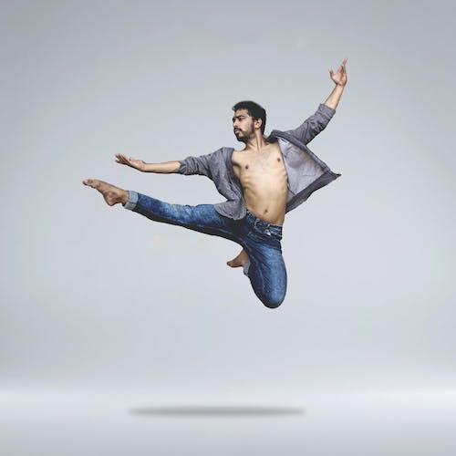 Kostenloses Stock Foto zu balletttänzer, person, pose, springen