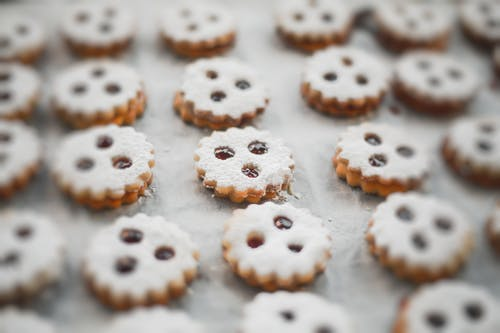 Shallow Focus Photography of Cookies