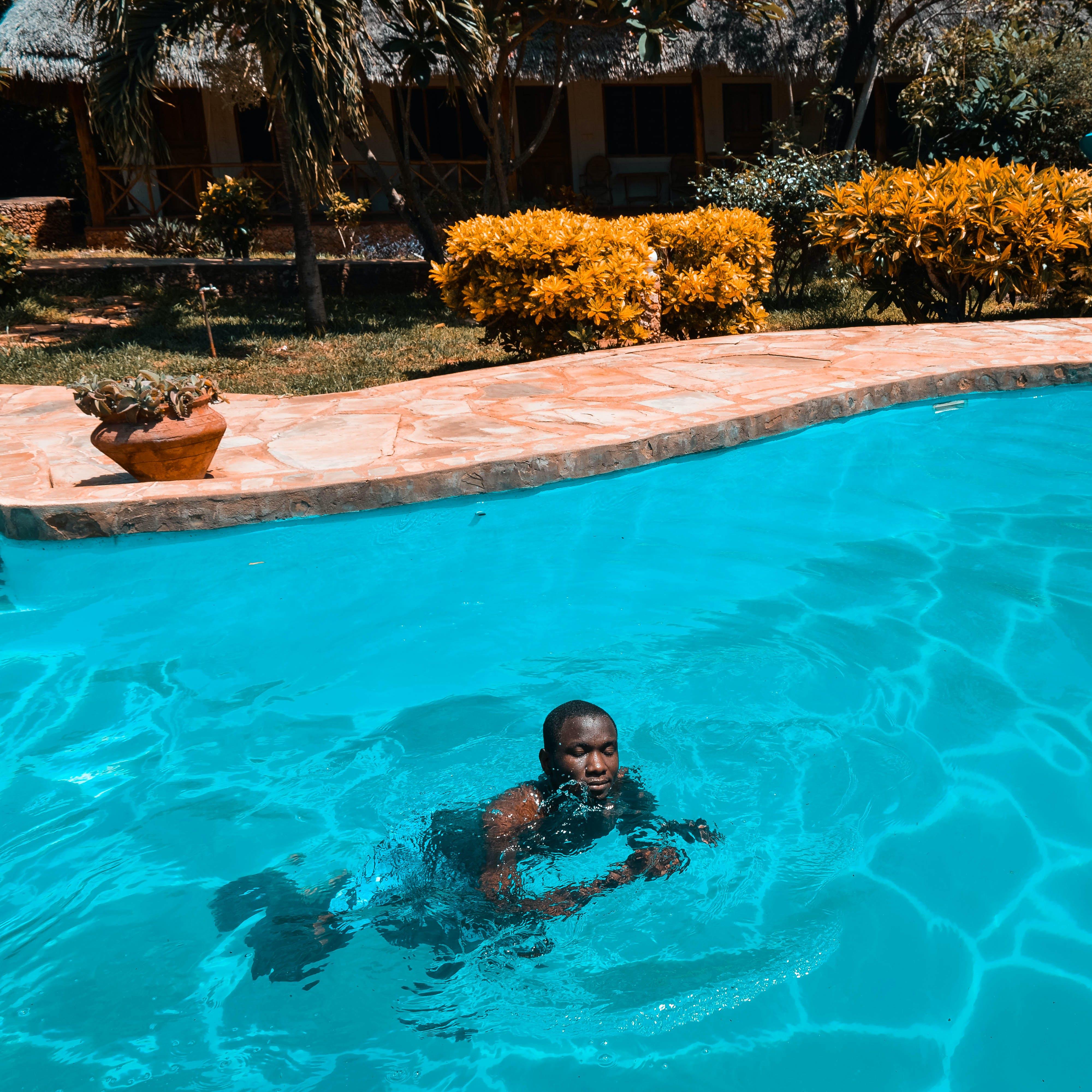 더그아웃 수영장, 수영, 수영장, 흑인 남성의 무료 스톡 사진