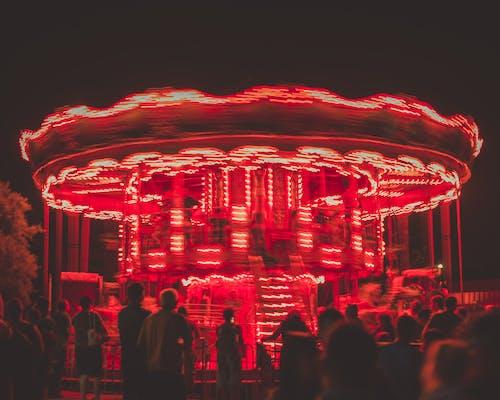 atlıkarınca, aydınlatılmış, Festival, insanlar içeren Ücretsiz stok fotoğraf