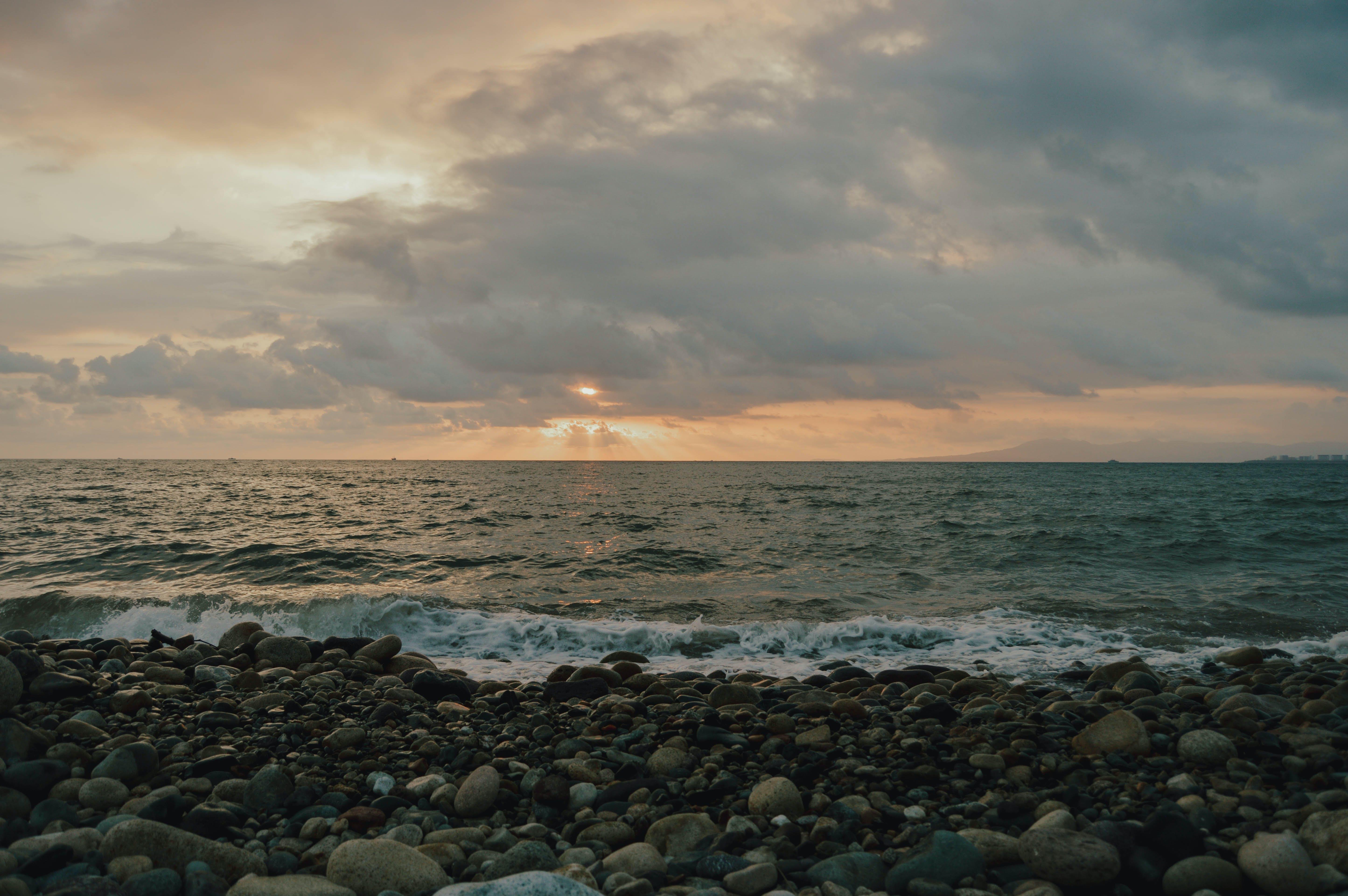 Δωρεάν στοκ φωτογραφιών με βράχια, γνέφω, ηλιοβασίλεμα παραλία, θάλασσα