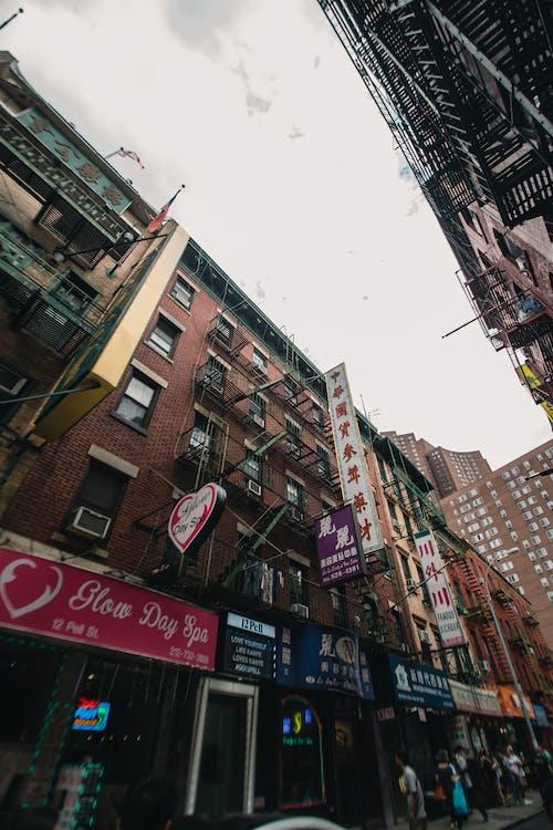 交通系統, 低角度拍攝, 光, 公寓 的 免費圖庫相片