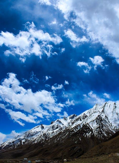 Δωρεάν στοκ φωτογραφιών με βουνό, γραφικός, κρύο, ουρανός