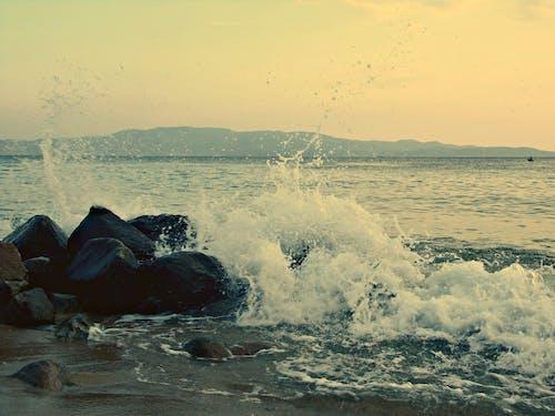 깊은 바다, 부서지는 파도, 수역, 일몰의 무료 스톡 사진