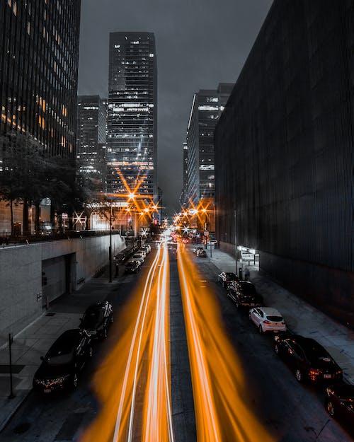 Fotos de stock gratuitas de aparcado, calle, calzada, cámara rápida