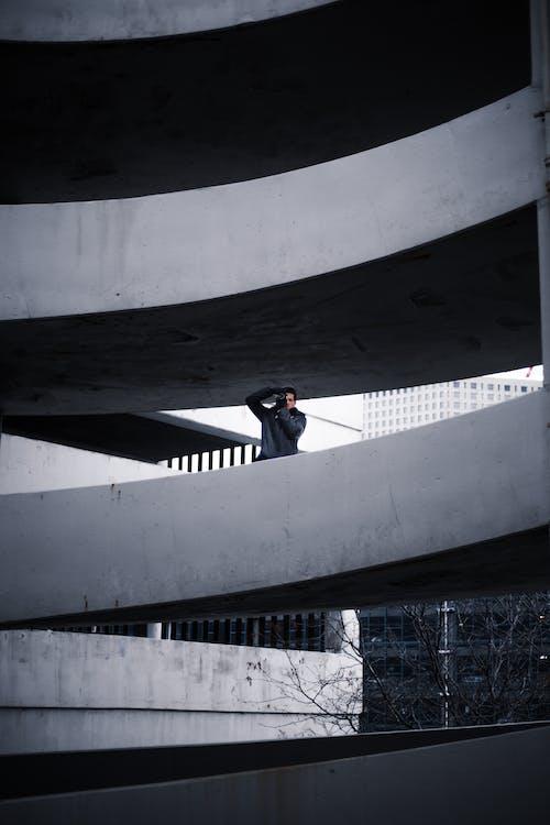 Gratis stockfoto met actie, architectuur, betonnen constructie, fotograaf