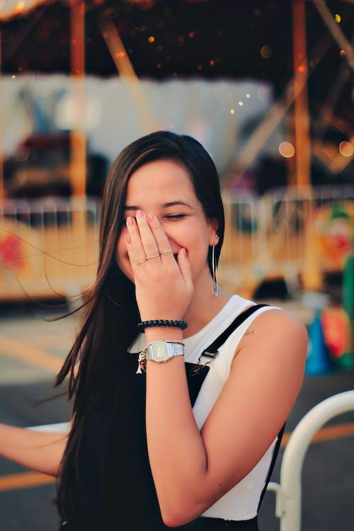 享受, 人, 女人, 微笑 的 免费素材照片