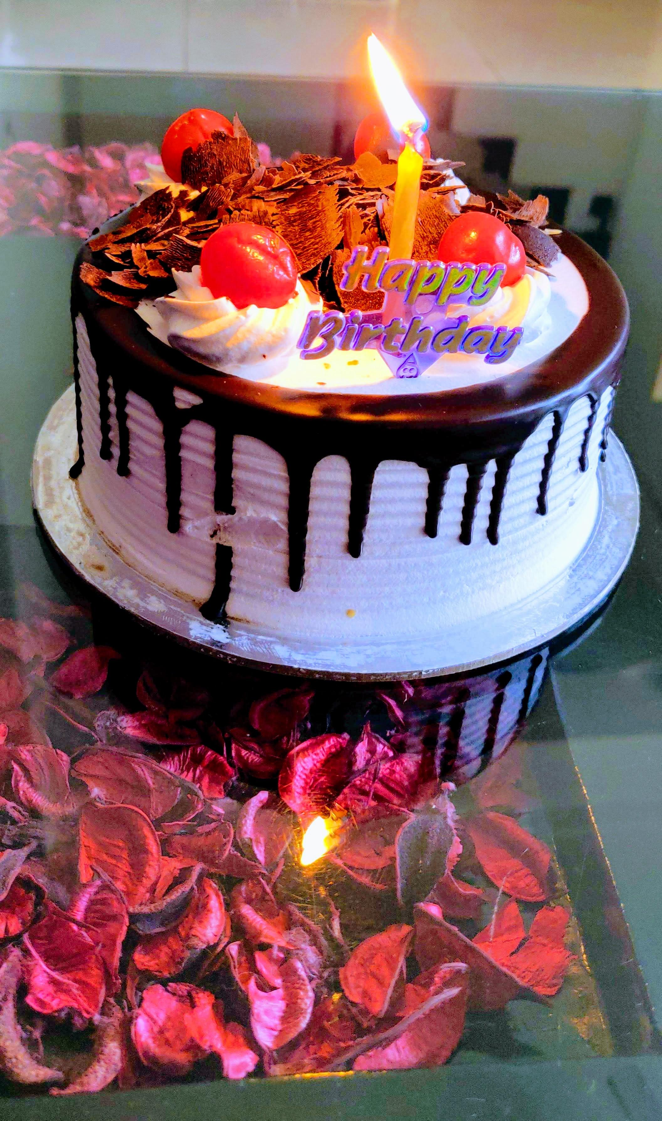 バースデーケーキ ハッピーバースデー 誕生日の無料の写真素材