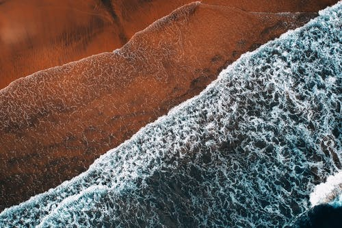 岸邊, 從上面, 招手, 海 的 免费素材照片