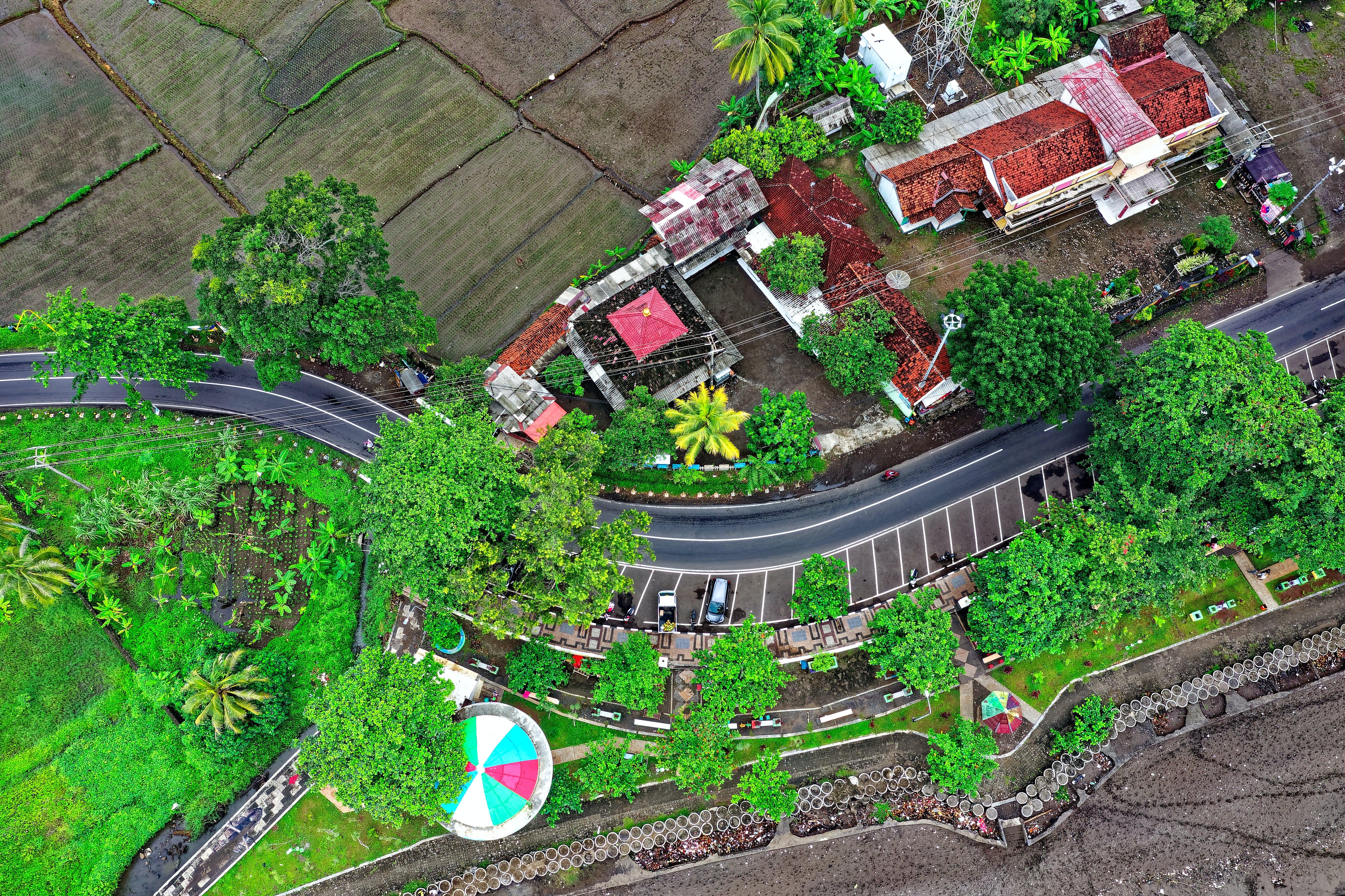 Δωρεάν στοκ φωτογραφιών με drone, αεροφωτογράφιση, ανάπτυξη, γήπεδο