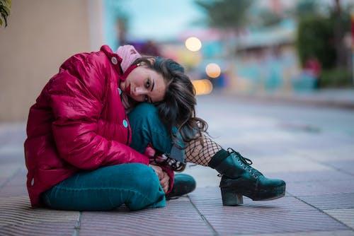Kostnadsfri bild av gata, ha på sig, kvinna, mode