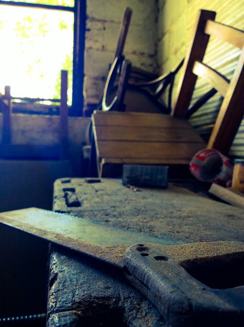 Gratis lagerfoto af arbejde, så, stol, træ