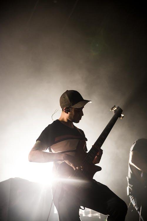 Âm nhạc, ánh sáng, ban nhạc