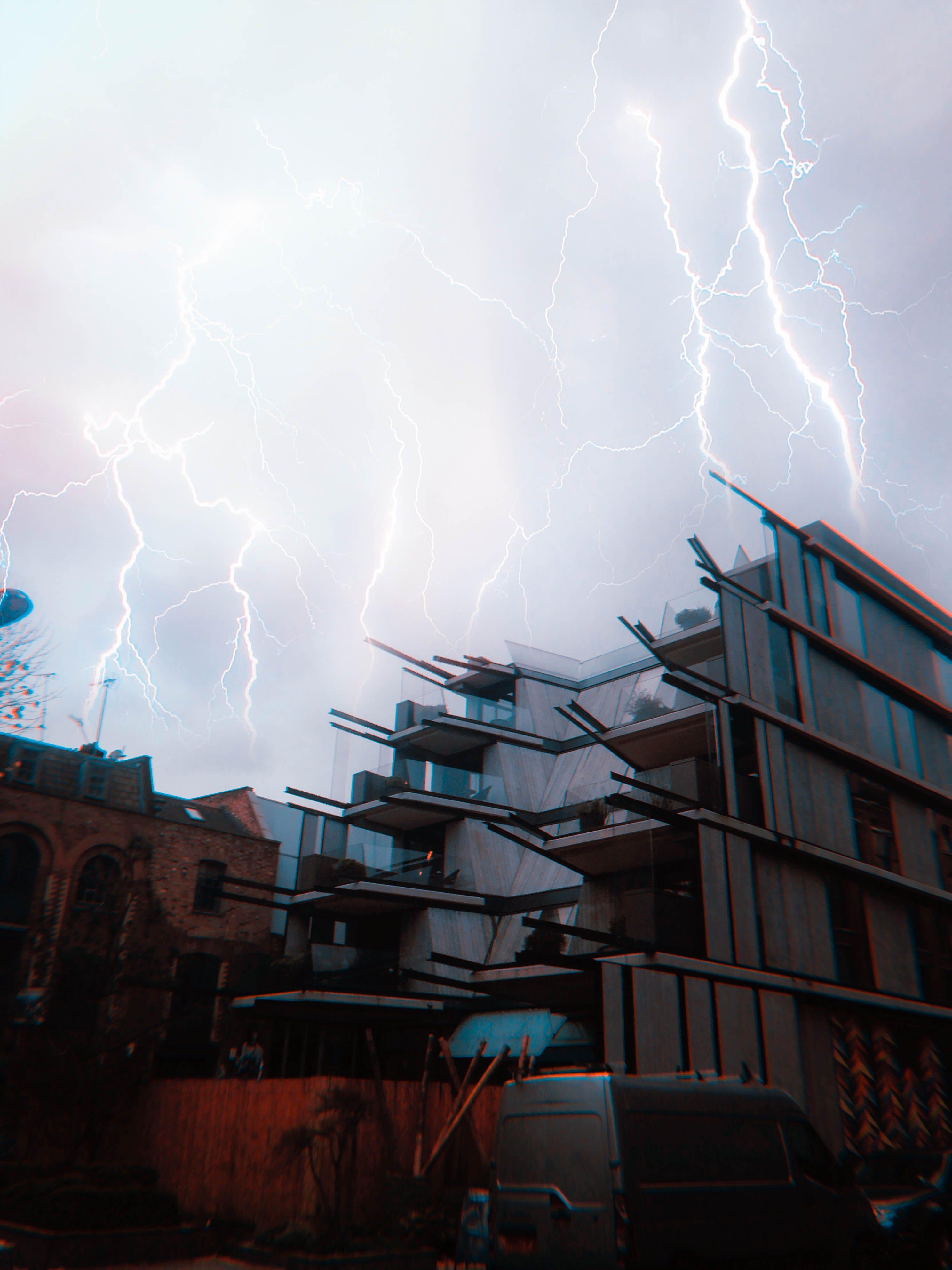 lightning, lightning strike, london