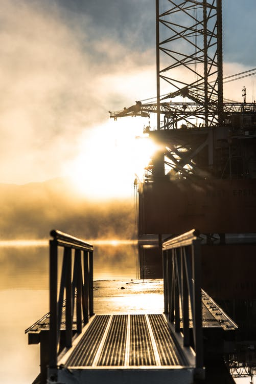 bâtiment industriel, brouillard, brumeux