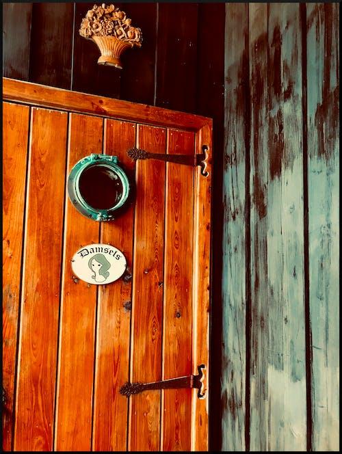 Gratis stockfoto met badkamer, deur, hout