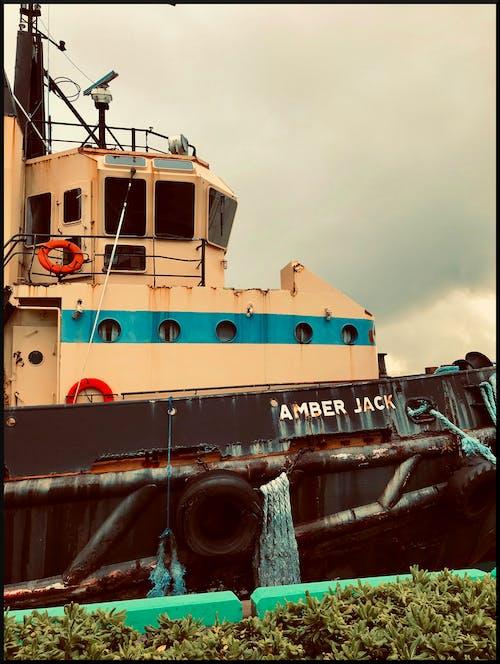 Gratis stockfoto met boot, dok, sleepboot, vissersvaartuig