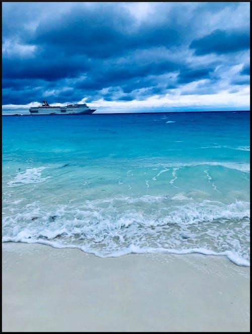 Gratis stockfoto met cruiseboot, halve maan cay, oceaan, strand