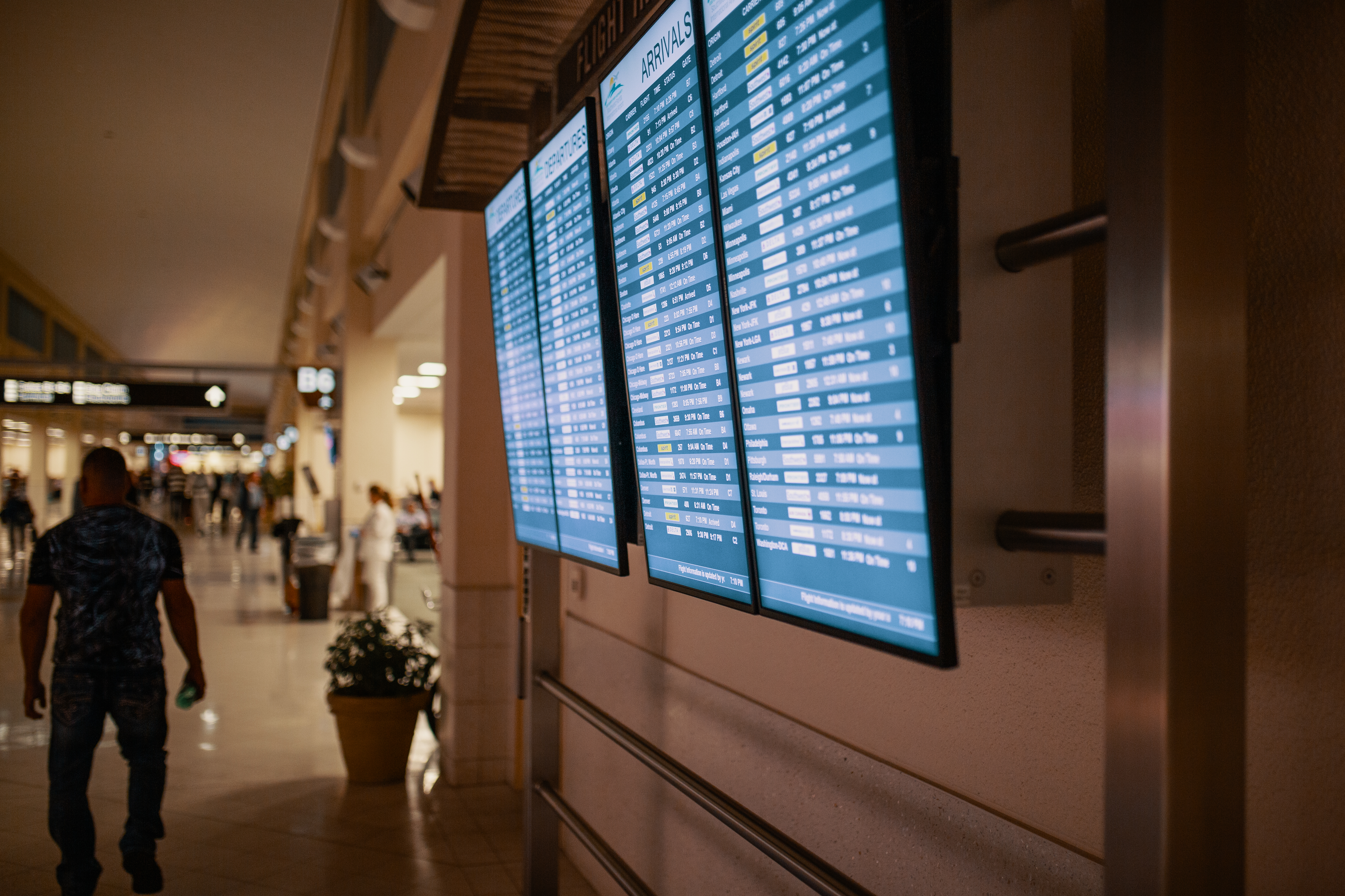 Airline Flight Schedules on Flat screen Televisions