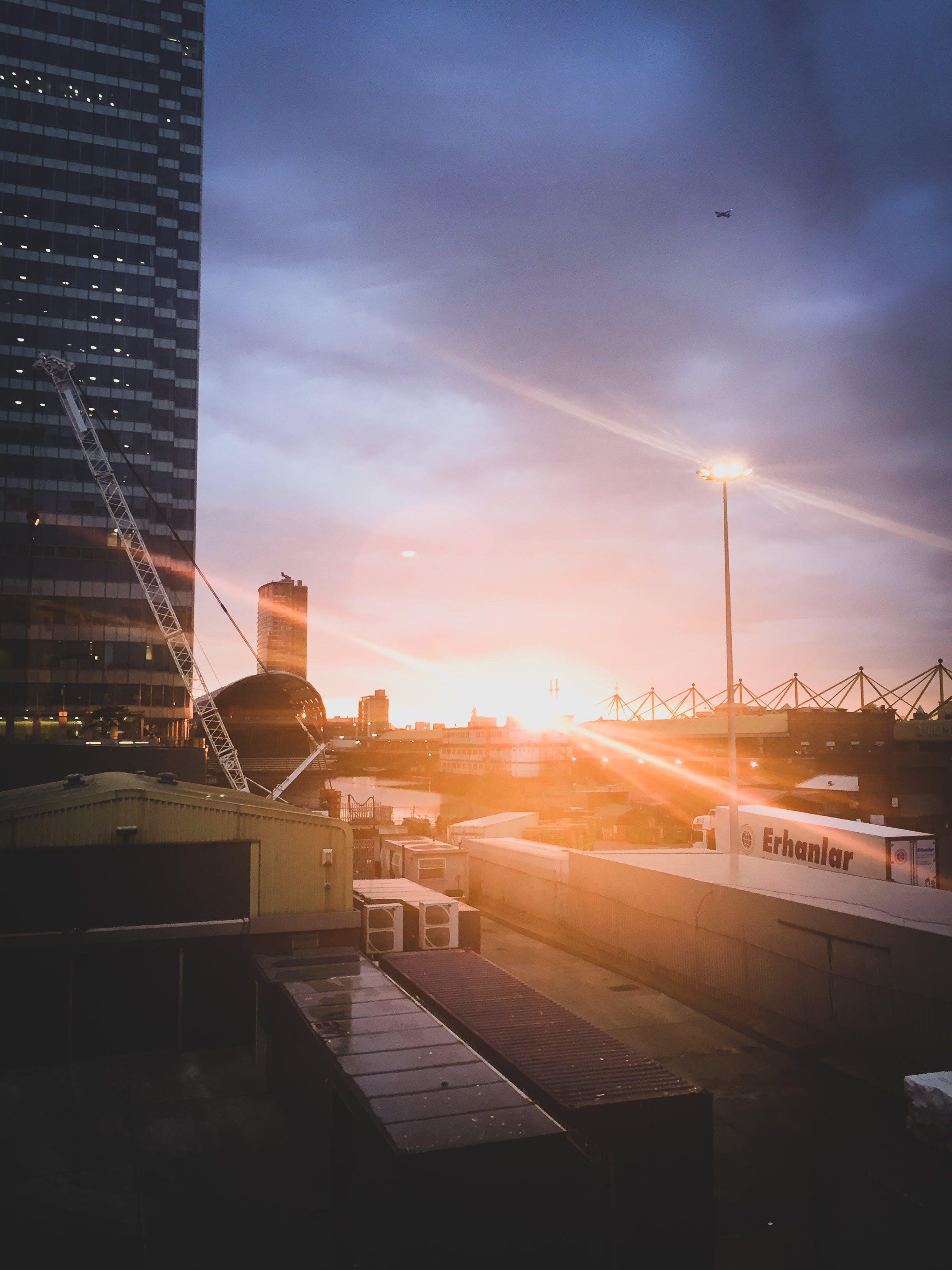Kostenloses Stock Foto zu abend, architektur, brücke, canary wharf