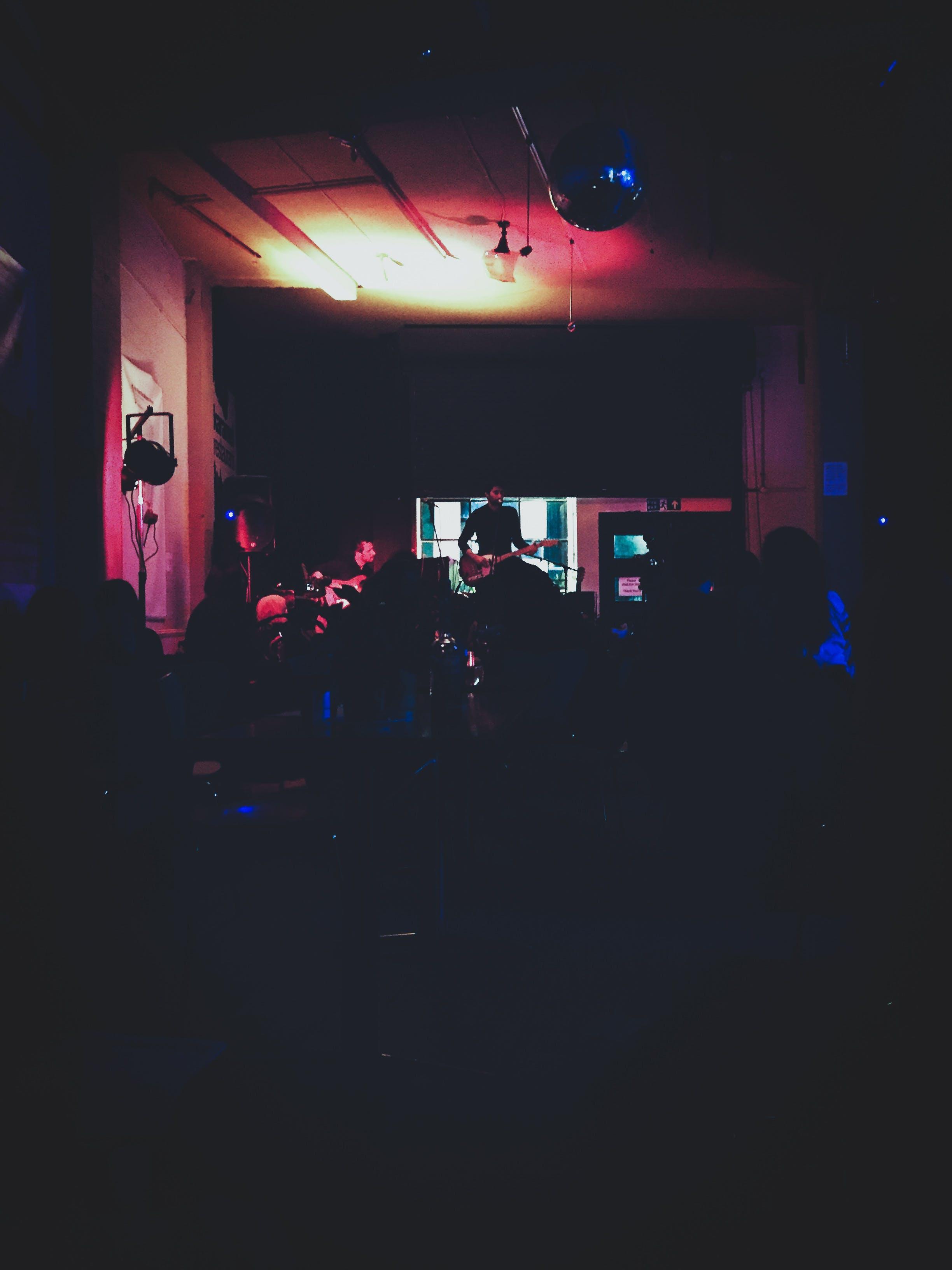 Gratis stockfoto met band, belicht, club, donker