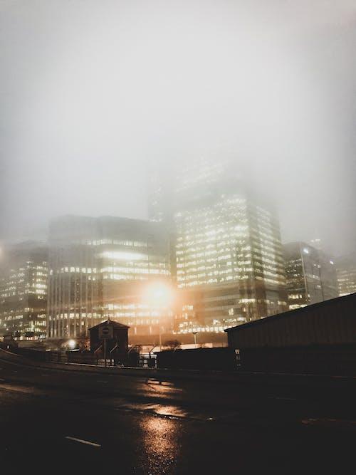 Immagine gratuita di città, londra, luci, nebbia