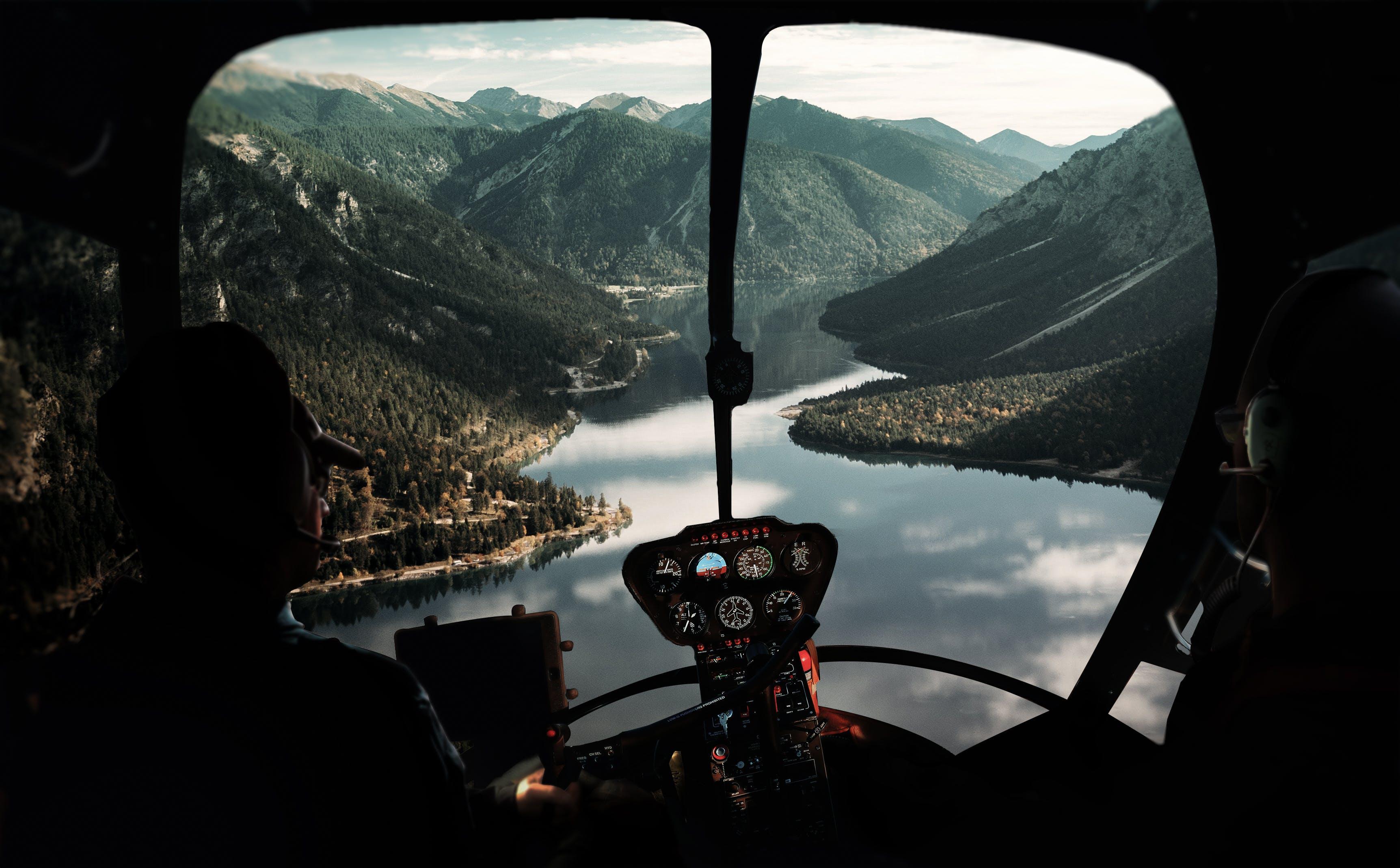 Kostenloses Stock Foto zu abenteuer, berg, cockpit, fahrzeug