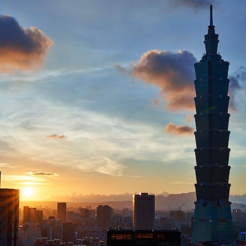 Foto profissional grátis de alvorecer, arquitetura, arranha-céu, centro da cidade