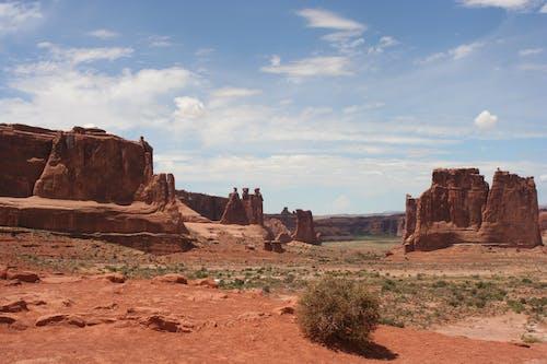 Foto profissional grátis de ao ar livre, areia, arenito, árido