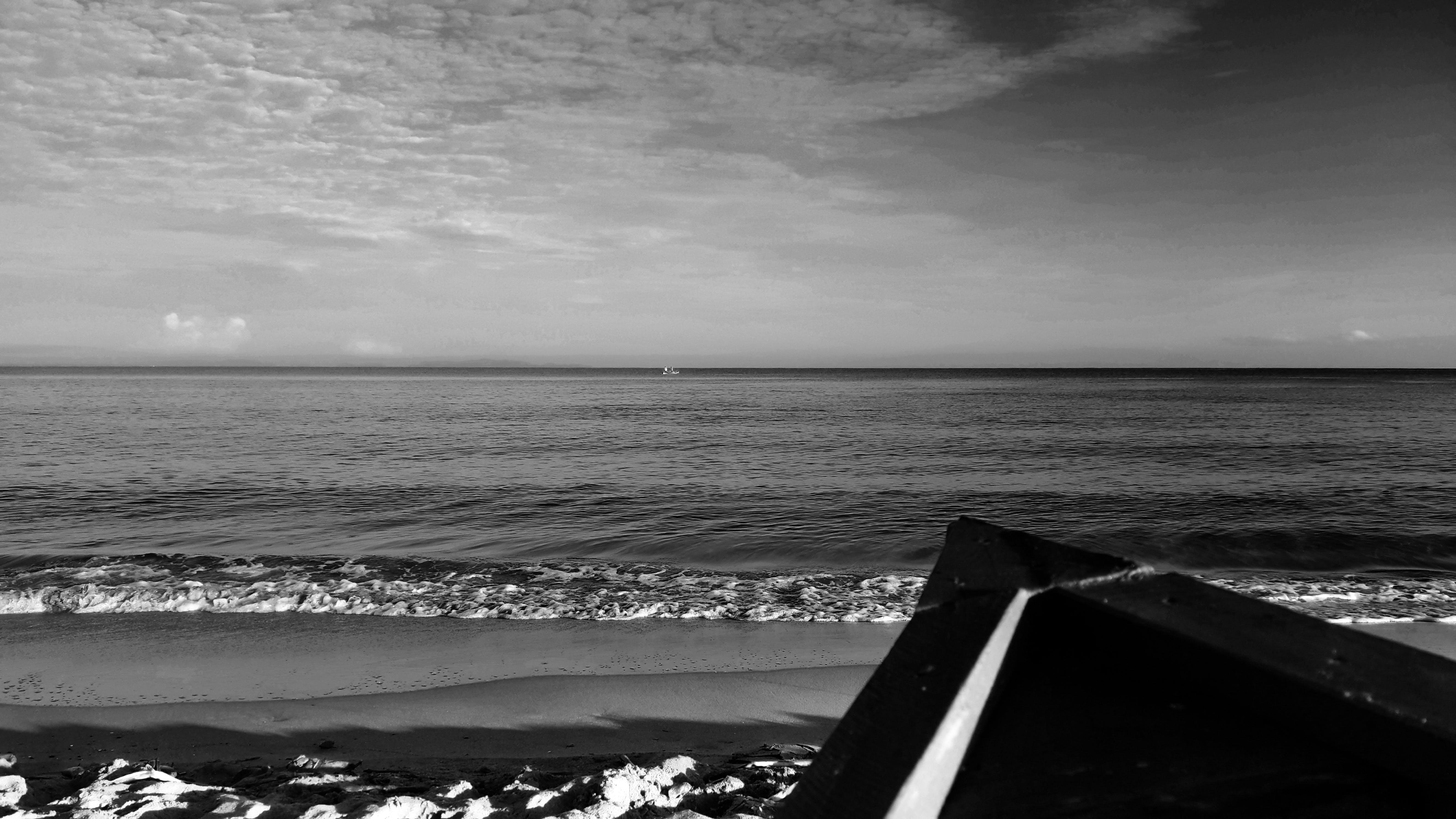 Free stock photo of beach, black and white, boat, honduras