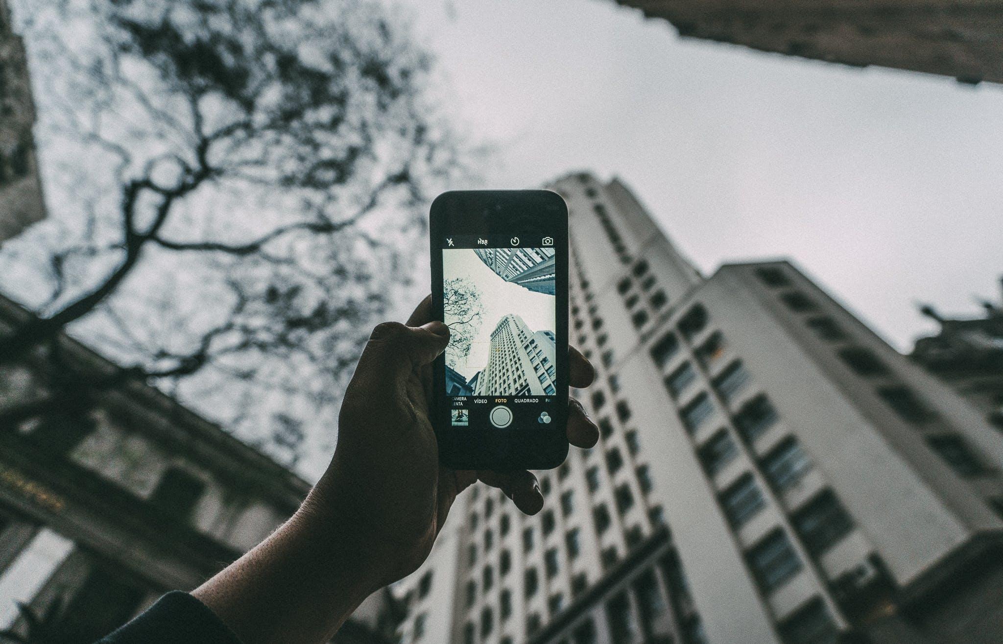 Darmowe zdjęcie z galerii z architektura, budynki, drzewo, krajobraz
