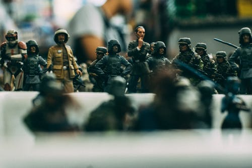 Gratis lagerfoto af camouflage, hær, legetøjssoldater, mand