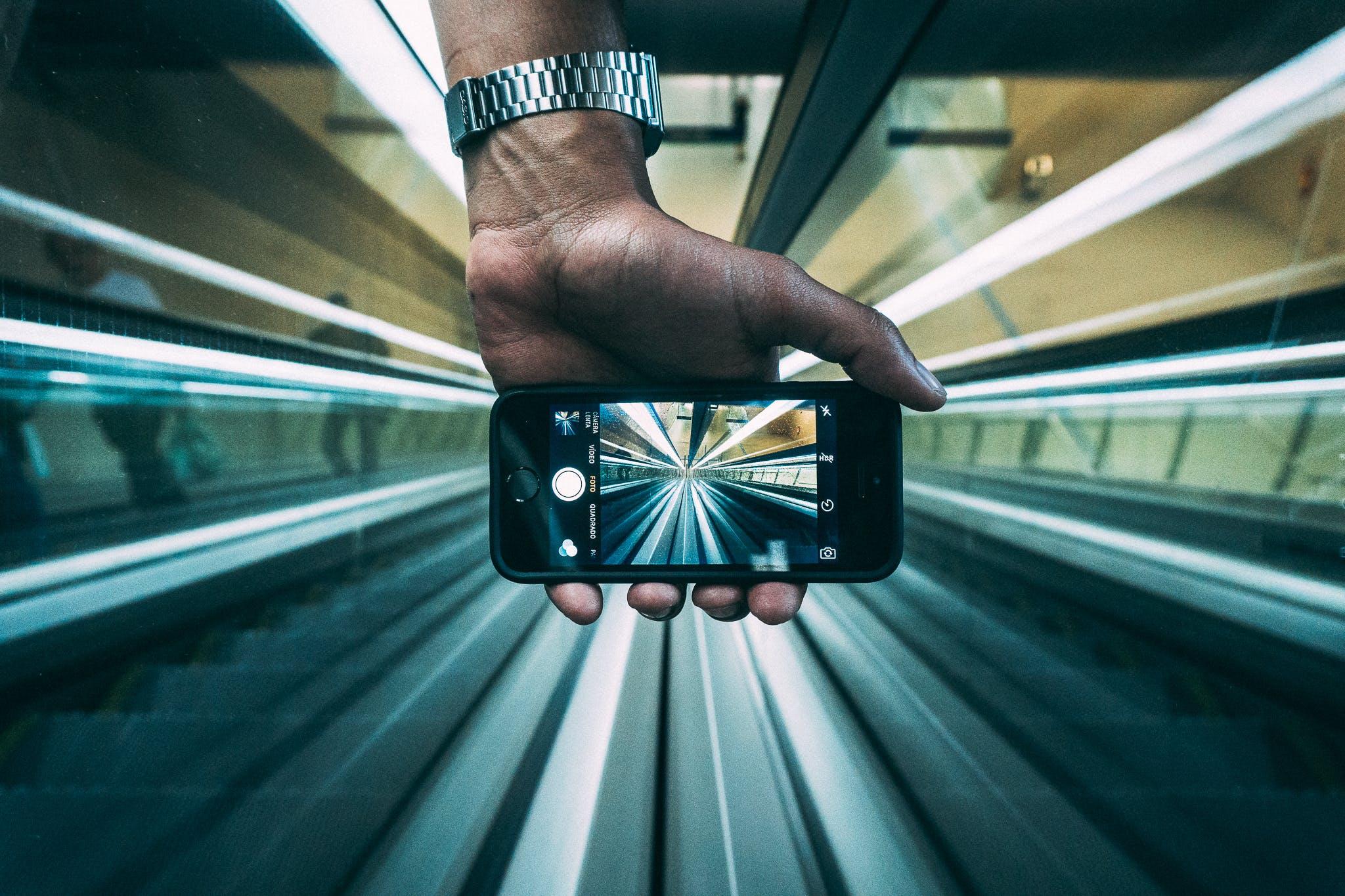 Kostenloses Stock Foto zu hand, handy, iphone, makro