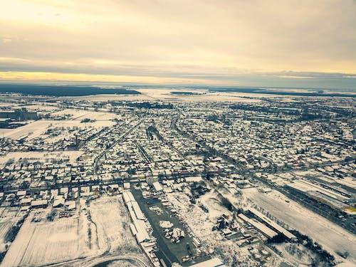 Ilmainen kuvapankkikuva tunnisteilla dji mavic pro, drooninäkymä, kaupunki, lumi