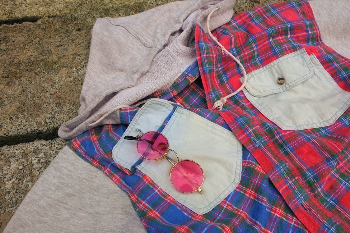 breast pocket, chequered, pink glasses