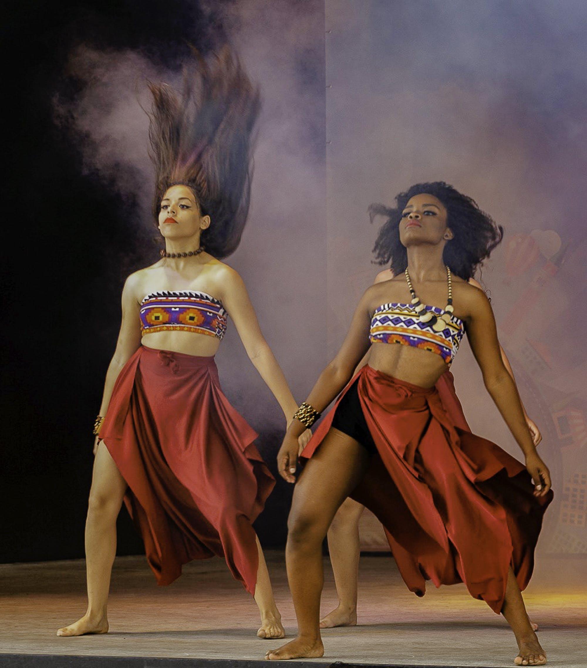 Fotos de stock gratuitas de actuación, bailando, bailarines, desgaste