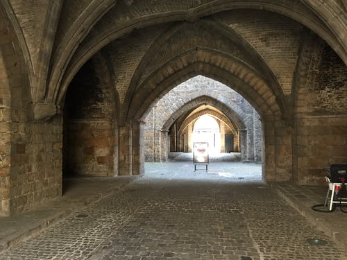 Бесплатное стоковое фото с арки