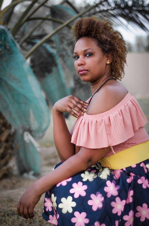 Δωρεάν στοκ φωτογραφιών με αφροαμερικάνα γυναίκα, γλυκούλι, γυναίκα, έκφραση προσώπου