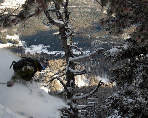 Kostenloses Stock Foto zu helm, landschaftlich, pulver, schnee