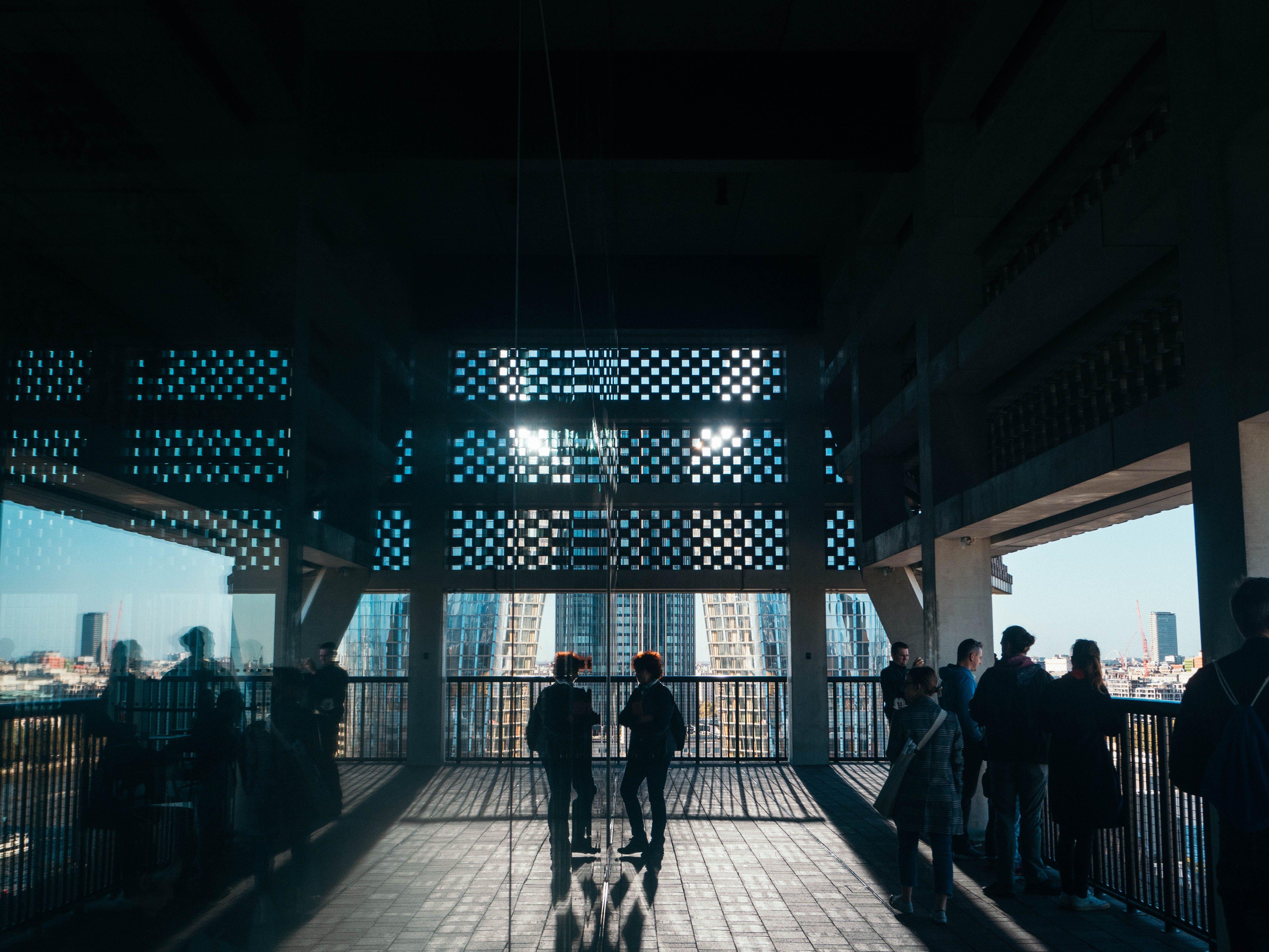Kostenloses Stock Foto zu architektur, aussicht, menschen, modern