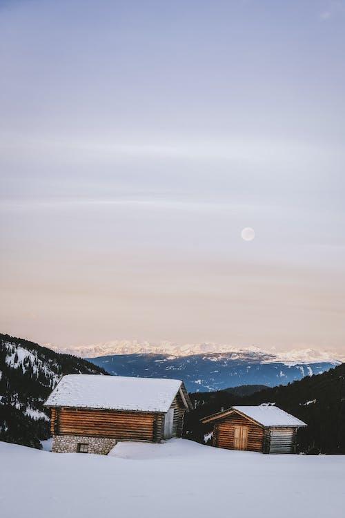 Gratis lagerfoto af bjerg, forkølelse, huse, hytte