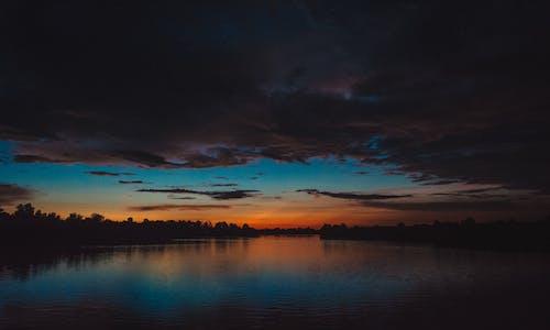 Kostnadsfri bild av bakgrundsbelyst, dramatisk, gryning, himmel