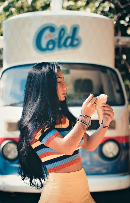享受, 冰淇淋, 可愛, 女人 的 免費圖庫相片