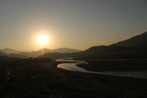 Fotos de stock gratuitas de orilla del río