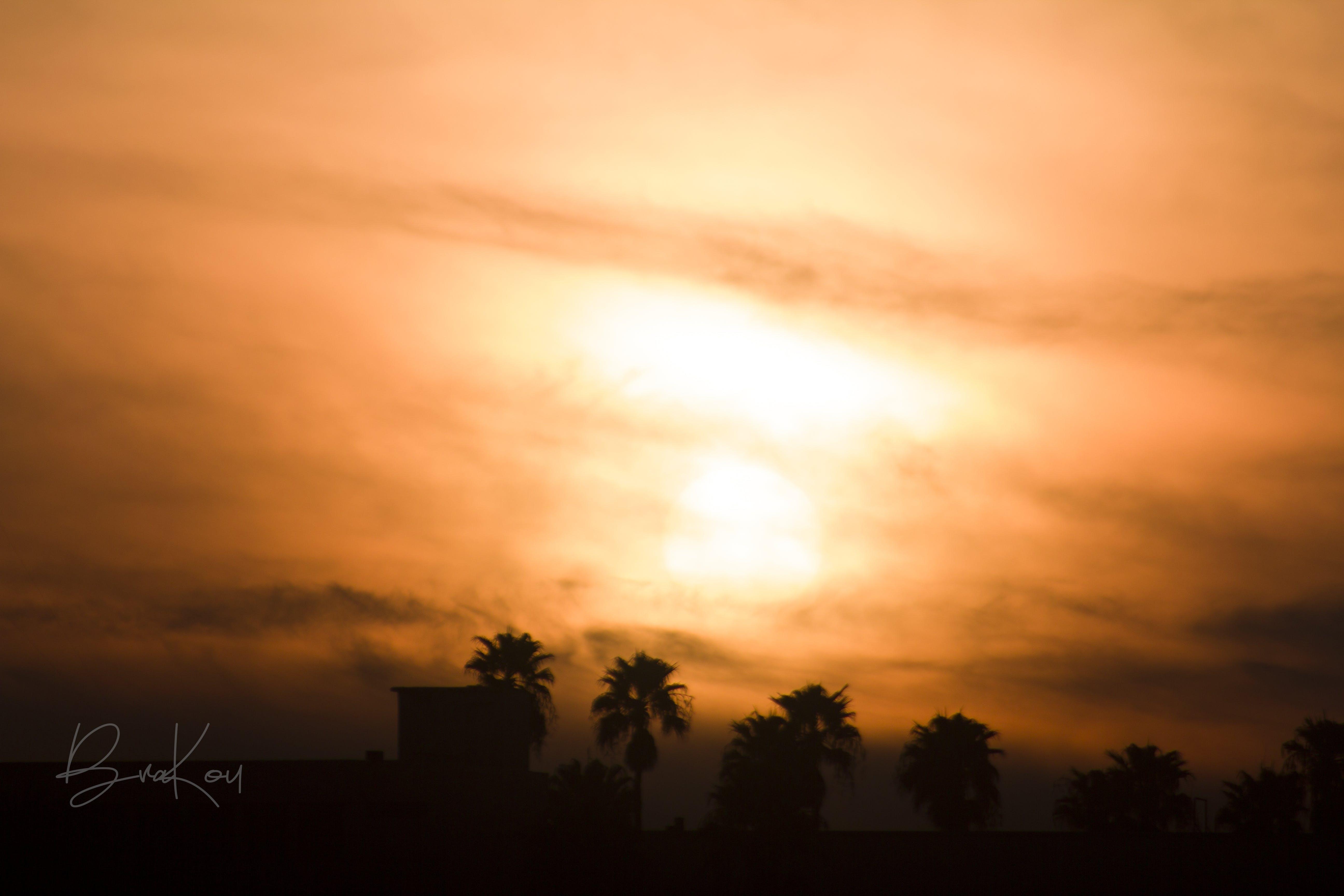 dramatická obloha, facepalm, oranžová obloha