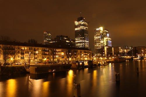 夜晚的城市, 夜生活, 建築, 建築設計 的 免费素材照片